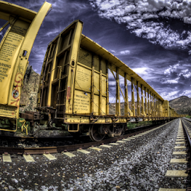 Perspective by Dave Zuhr - Transportation Trains ( cars, train, tracks, d_zuhr, dzuhr,  )
