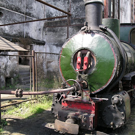Wont you believe, I'm still working! by Gunawan Abdul Basith - Artistic Objects Industrial Objects ( locomotive, sugar factory, spoor, steam )