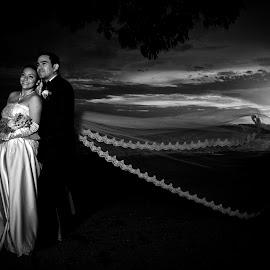 Keyla and Leonel by Rafael Arnoldo Martínez Zúniga - Wedding Bride & Groom ( ometepe, wedding, nicaragua, bride, rivas, groom, island )