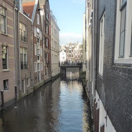 Dutch Canal by Linda Ensor - Novices Only Street & Candid