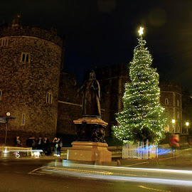 Festive Glow by Will Jackson - Buildings & Architecture Statues & Monuments ( christmas, decoration, object )