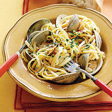 Linguine with White Clam Sauce