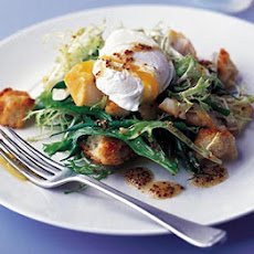 Smoked Haddock Salad With Poached Eggs & Croûtons