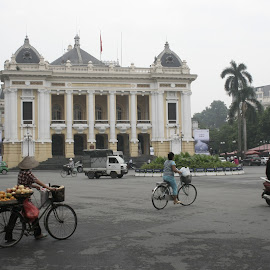 Hà Nội by Phạm Chí Minh Hp - Buildings & Architecture Office Buildings & Hotels ( quảng trường, nhà hát lớn, hà nội )