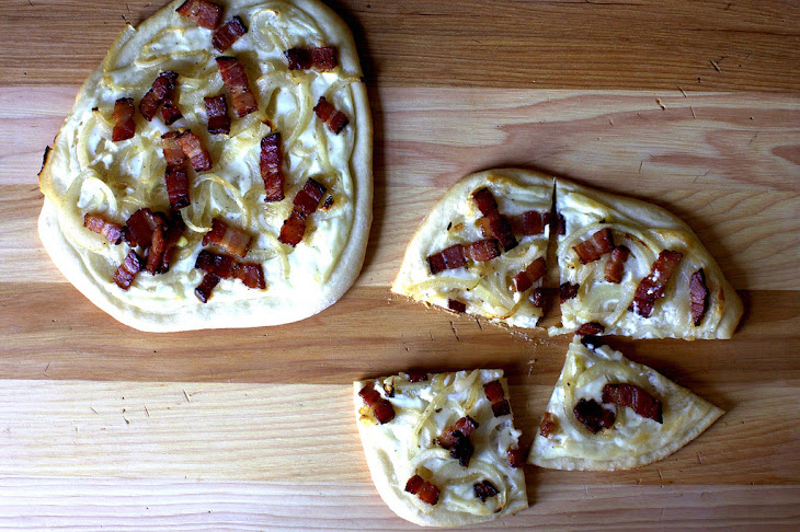 Pizza With Bacon, Onions And Cream Recipe | Yummly