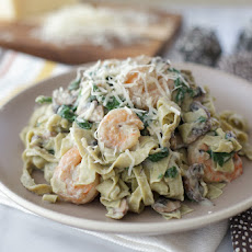 Guilt-free Shrimp And Veggie Fettuccine With Cauliflower Alfredo