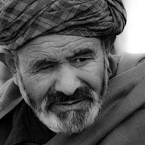 Afghan man by Zeljko Kliska - Black & White Portraits & People ( black and white, afghanistan, men, portrait,  )