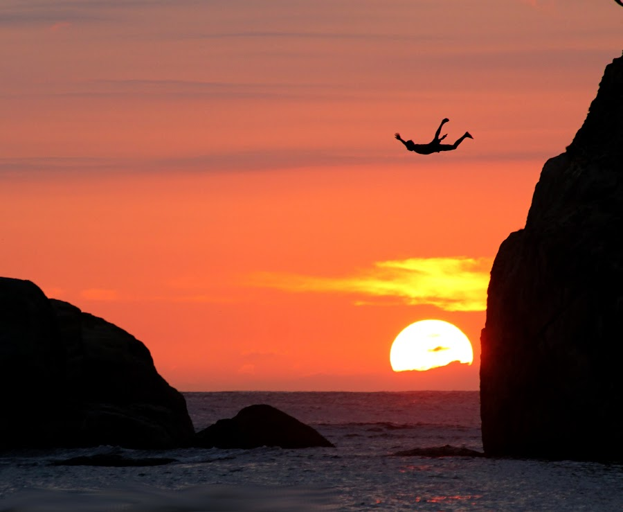 by Roshan Hewapathirana - People Street & Candids ( galle, clif jumping, red, shadow, sunset, sea, beach, sri lanka, sun,  )