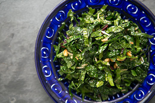 Raw Kale Salad with Balsamic, Pine Nuts, and Parmesan Recept | Yummly