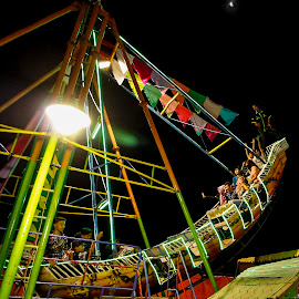by Dodi Efditianur - News & Events Entertainment ( rides, park, night, people, entertainment )