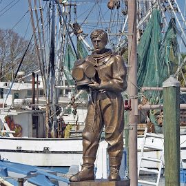 Sponge diver and shrimp boats. by Walter Carlson - Buildings & Architecture Statues & Monuments ( statue, shrimp boat, monument, high quality, in focus, spong diver )