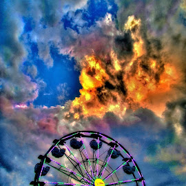 ferris wheel by Derrill Grabenstein - City,  Street & Park  Amusement Parks
