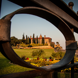 Union Buildings by Gerhard Niemand - Buildings & Architecture Statues & Monuments ( building, frame, beautiful, framed, gate )