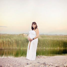 Chris Ann by Jenna Schwartz - People Maternity ( natural light, maternity, desert, landscape, las vegas, professional photography, female, woman, sunset, nevada, pregnancy, pregnant, outdoor session, waterfront )