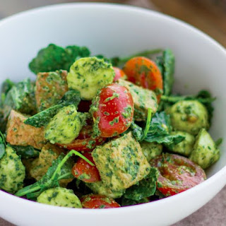Caprese Pesto Kale Salad With Crispy Tofu
