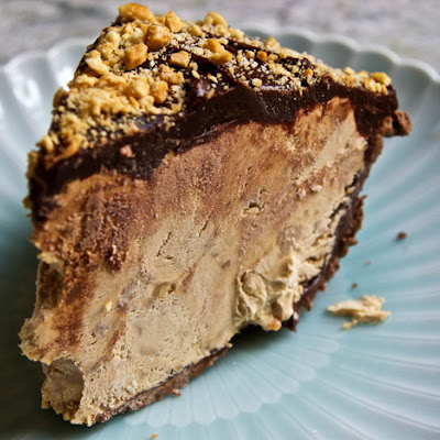 The Ultimate Snickers Pie