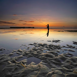 Sunrise Fishing by Wei Fuk Lie - Landscapes Waterscapes ( nusa dua, bali, sunrise, fishing )