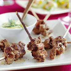 Pepper steak skewers with Bearnaise sauce
