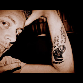 photographing is an art its a way of life by Andreas van Heddegem - People Body Art/Tattoos ( just, just me, body, lightning, arrt, camera, weather, on, me, arm, tatoo )