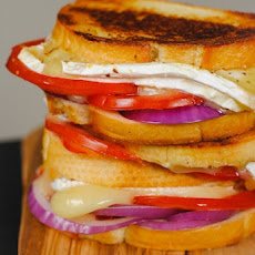 Brie, Tomato & Red Onion Grilled Cheese