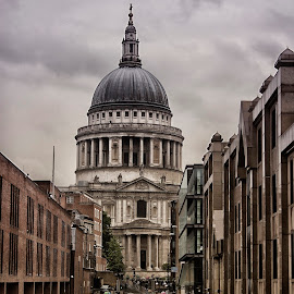 Rainy Day By St Pauls by Dez Green - City,  Street & Park  Historic Districts