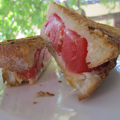 Garlic Bread Grilled Tomato Sandwich