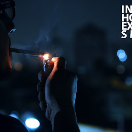 INHALEHOLD ITEXHALESMILENote: Assignment Photography Photo Courtesy: Laeeq Shafi by Alee Hamza - News & Events Health