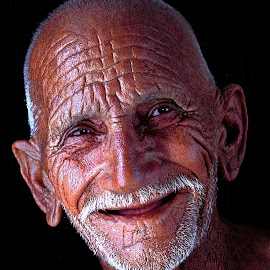 The Smile by Nayyer Reza - People Portraits of Men