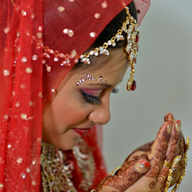 Indian Wedding by Paulus Soegriemsingh - Wedding Bride (  )