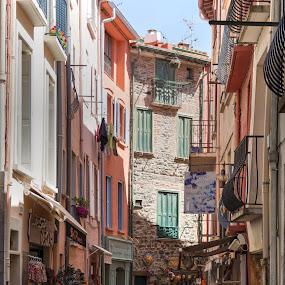 De compras  by Jose Maria Vidal Sanz - City,  Street & Park  Markets & Shops