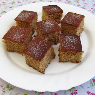 Nuts Cake With Cinnamon And Honey