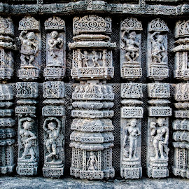 Sculptures - Sun Temple - Konark by Sushil Chauhan - Buildings & Architecture Statues & Monuments ( monuments, sculptures, sculpture, sun temple, konark, monument, architecture )