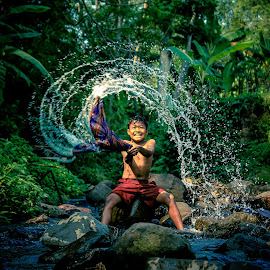 splash... by Ediansyah Edoy - Babies & Children Children Candids
