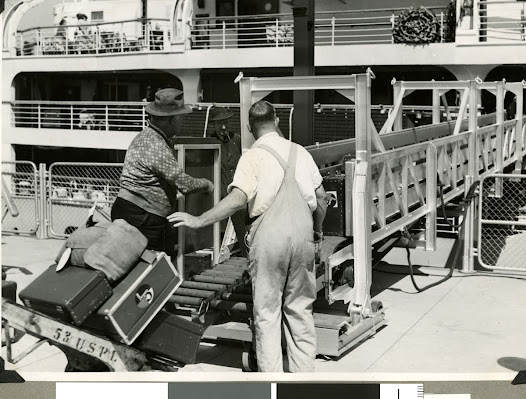 By 1960 the Melbourne Harbour Trust installed conveyor belts to bring baggage from ship to shore.
