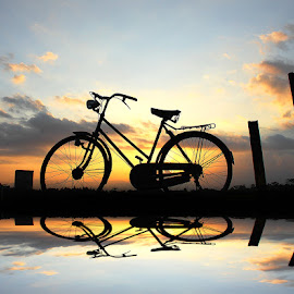 pit wedok jengki by Indra Prihantoro - Transportation Bicycles ( sunset, bicycle )
