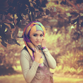 Oh indahnya by Junior Snapshoot - People Fashion