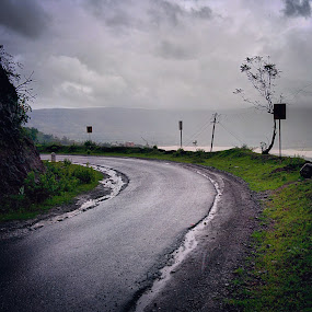 Monsoon Rains by Rohan Pavgi - Instagram & Mobile Android