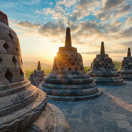 borobudur tample  by Arya Dwi Saputra - Buildings & Architecture Statues & Monuments