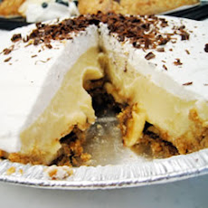 Banana Cream Pie with Chocolate Lining