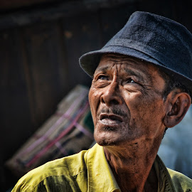terpana by Syahril Idwar - People Portraits of Men