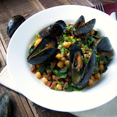 Steamed Mussels w/ Chickpea Chorizo Butter Broth