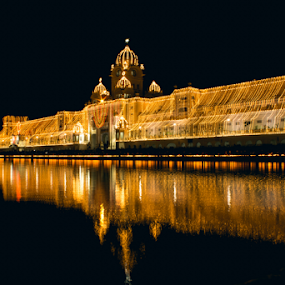 Golden Temple by Jatin Malhotra - Buildings & Architecture Places of Worship ( temple, lighting, reflactions, amritsar, golden )