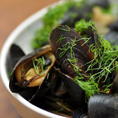 Mussels with Beer and Thai Stock