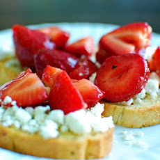 Goat Cheese & Strawberry Bruschetta