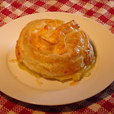 Brie or Camembert in Puff Pastry