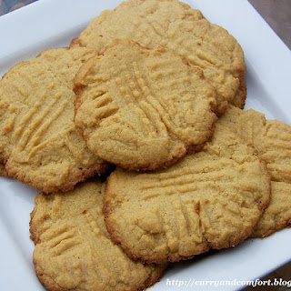 Easiest Peanut Butter Cookies (ever!)