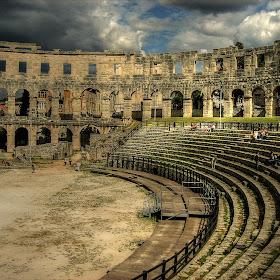 Arena Pula.jpg