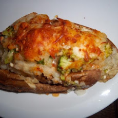 Broccoli & Ranch Twice Baked Potatoes!