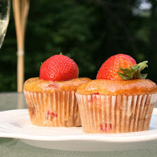 Strawberry Cupcakes with Champagne Glaze: Picture Perfect Cupcakes