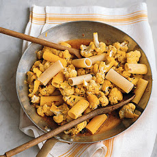 Rigatoni with Cauliflower, Saffron, and Raisins